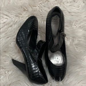 SAKS FIFTH AVENUE LEATHER MARY JANE SIZE 1…